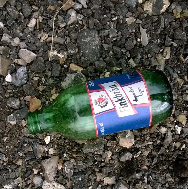 Verge rubbish (17)